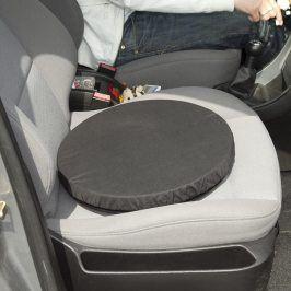 Otočný protiskluzový sedák do auta